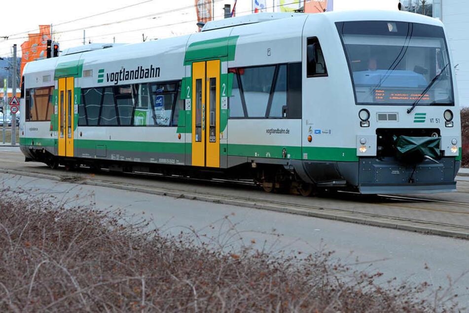 Nach Unwetterschäden: Bauarbeiten an Vogtlandbahn verzögern sich