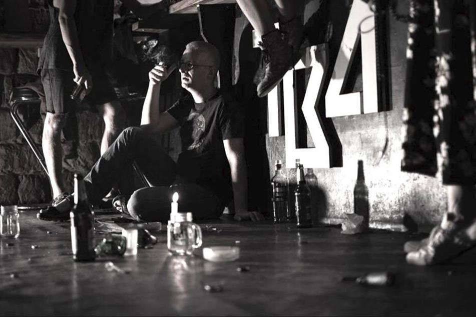 Der Clubbesitzer am Boden. Das TBA in Dresden macht zu.