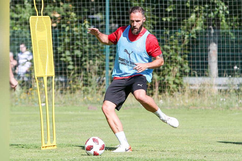 Nach seiner Verletzung präsentierte sich Christopher Handke, hier im Training am Ball, beim Testspiel gegen den 1. FC Lok Leipzig in überraschend guter Verfassung.
