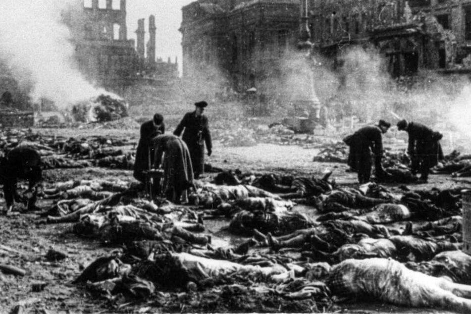 Tote wurden auf den Straßen gesammelt, anschließend verbrannt.