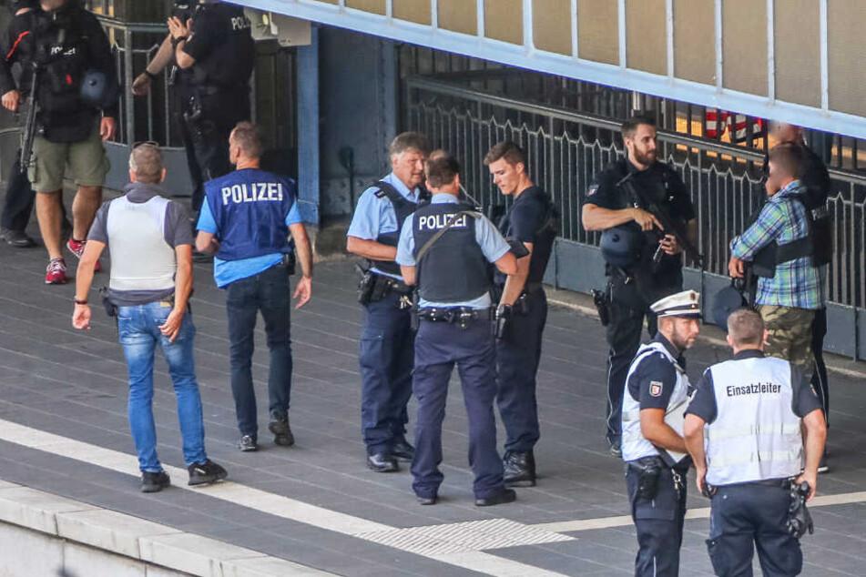Nach Todesschüssen im Zug: Polizistin sagt erstmals aus