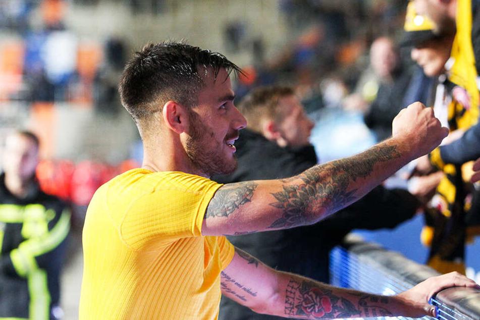 """""""Das habe ich in meiner Karriere so noch nicht erlebt!"""", sagt Dario Dumic über die Dynamo-Fans. In Utrecht geht's da etwas ruhiger zu, auch wenn die FC-Fans ebenfalls für gute Stimmung bekannt sind."""