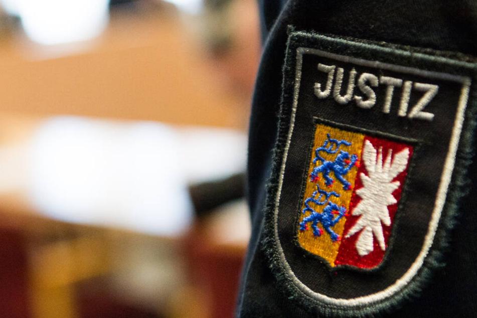 Ein 30-Jähriger wurde vor dem Lübecker Landgericht zu einer Haftstrafe von acht Jahren und drei Monaten verurteilt.