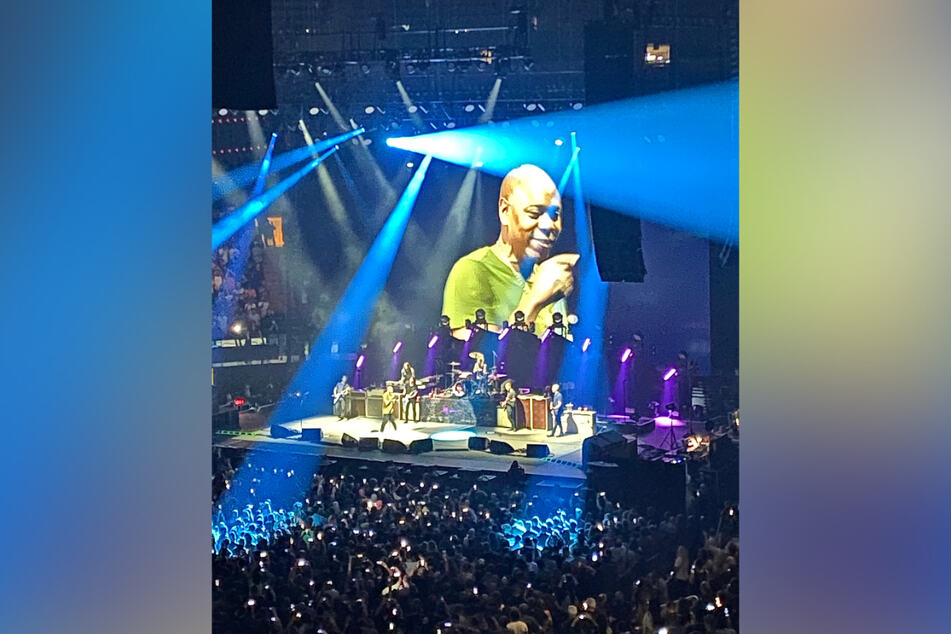 Dave Chappelle shocked fans by taking the stage to sing a cover of Radiohead's Creep.