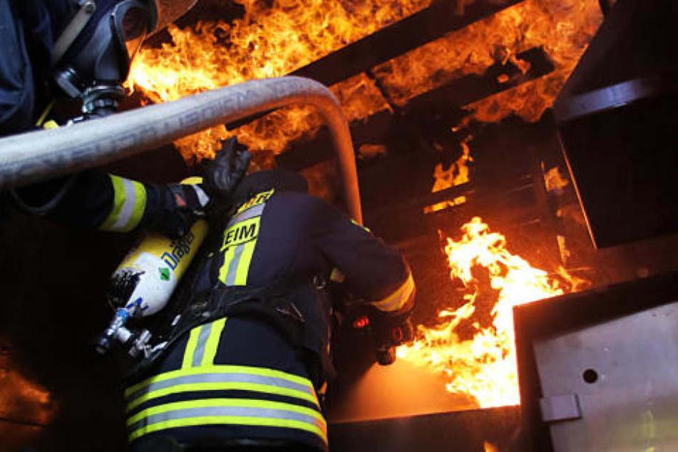 Die Feuerwehr konnte den Brand zum Glück schnell löschen. (Symbolbild)