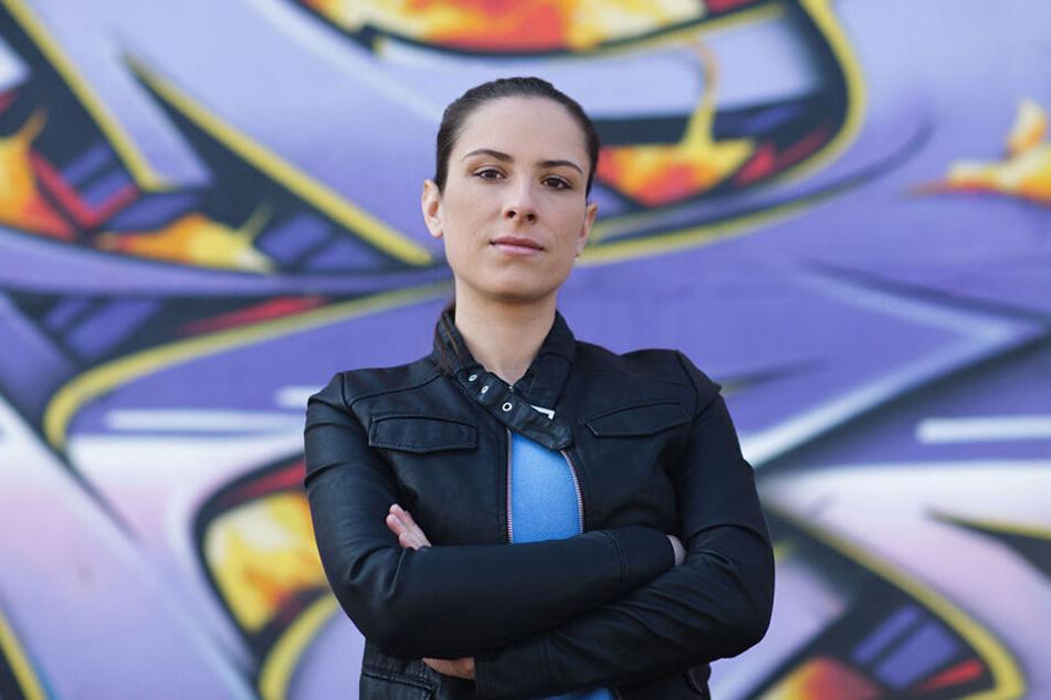 Claudia Walde (38) alias MadC hat am Flughafen ihre Street-Art-Spuren hinterlassen.