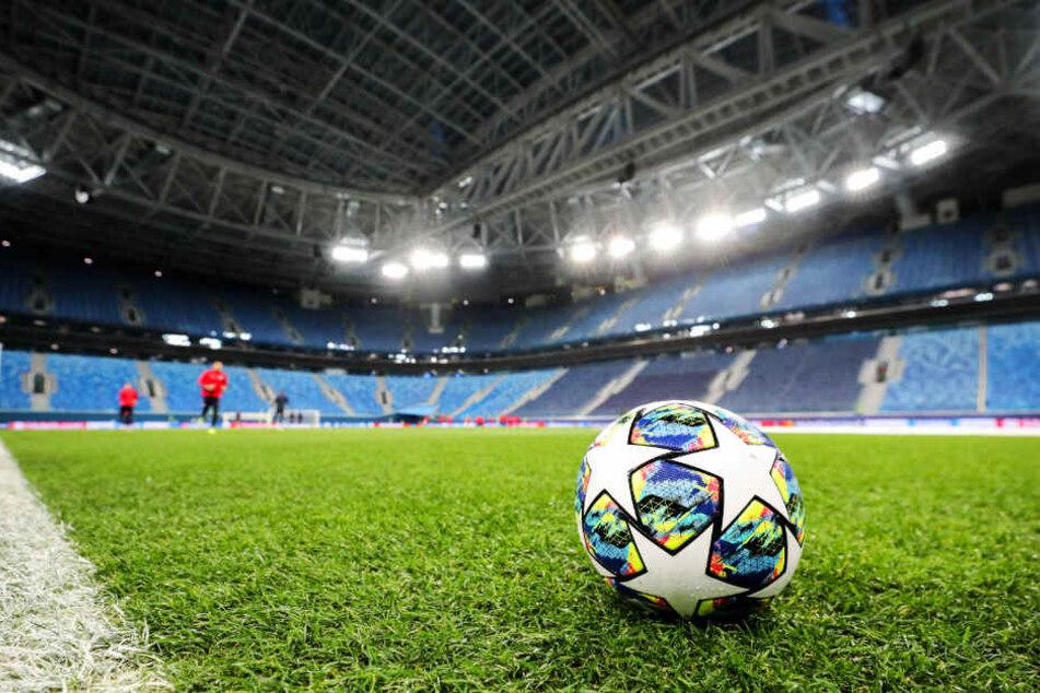 Doch nun besteht wieder Hoffnung für deutsche Fußballfans: Das Finale 2022 in München soll im Free-TV laufen, eventuell noch weitere Spiele.