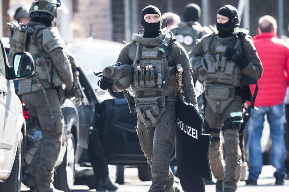 Ein Spezialeinsatzkommando musste anrücken, um den Familienstreit zu schlichten. (Symbolbild)