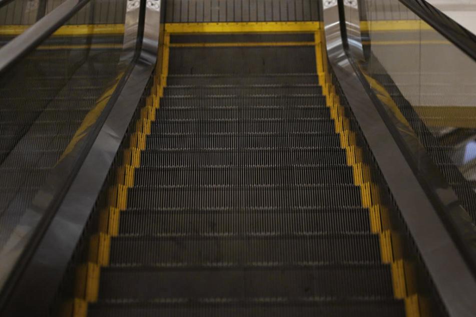 Eine 76-jährige Frau ist in München eine Rolltreppe hinuntergestürzt (Symbolbild).