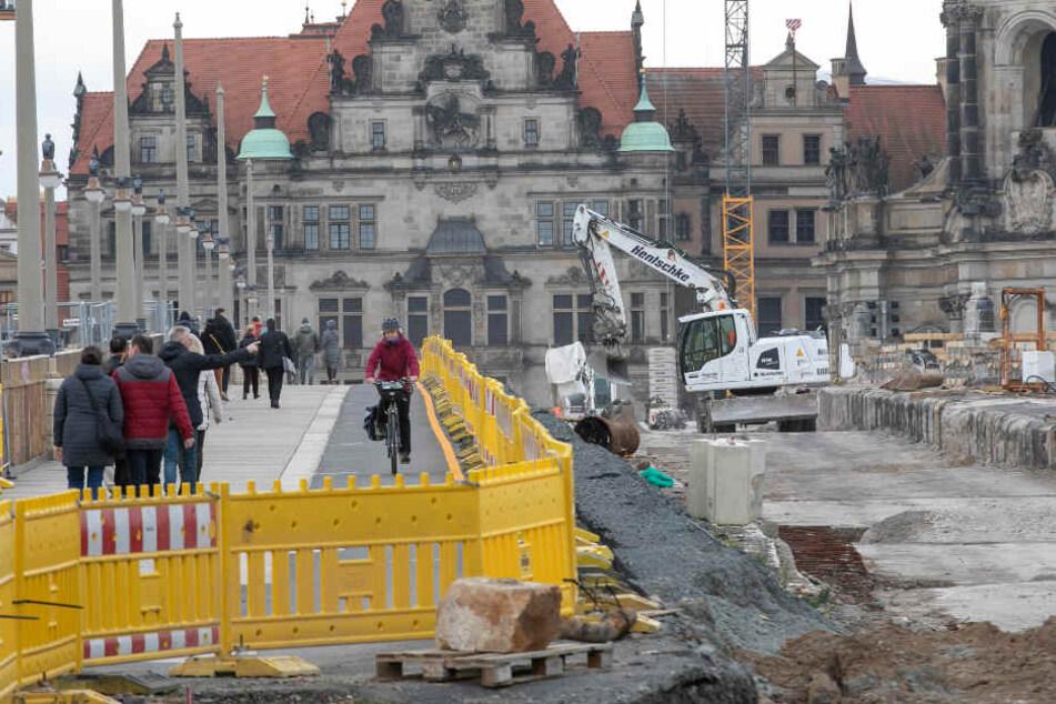 Dresden: Neues von der Augustusbrücke: Jetzt werden die großen Steine freigelegt
