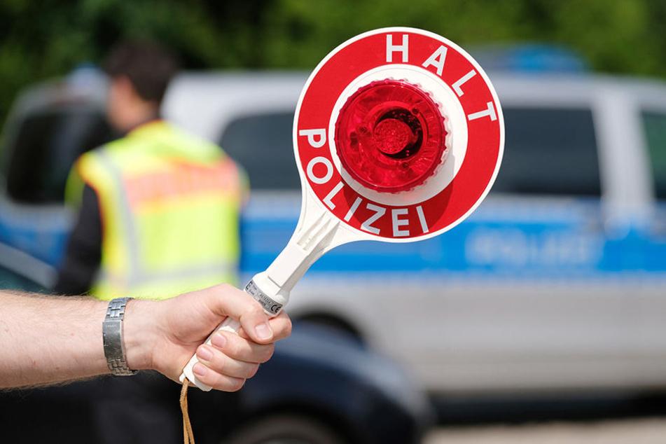 2500 Euro zupfte die Bundespolizei einer Dame (37) aus dem BH.
