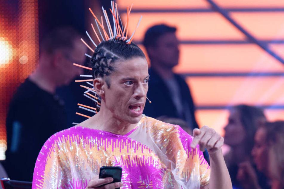 Ein außergewöhnliches Outfit hat Jorge Gonzalez in der der zweiten Show der aktuellen Staffel von Let's Dance getragen.