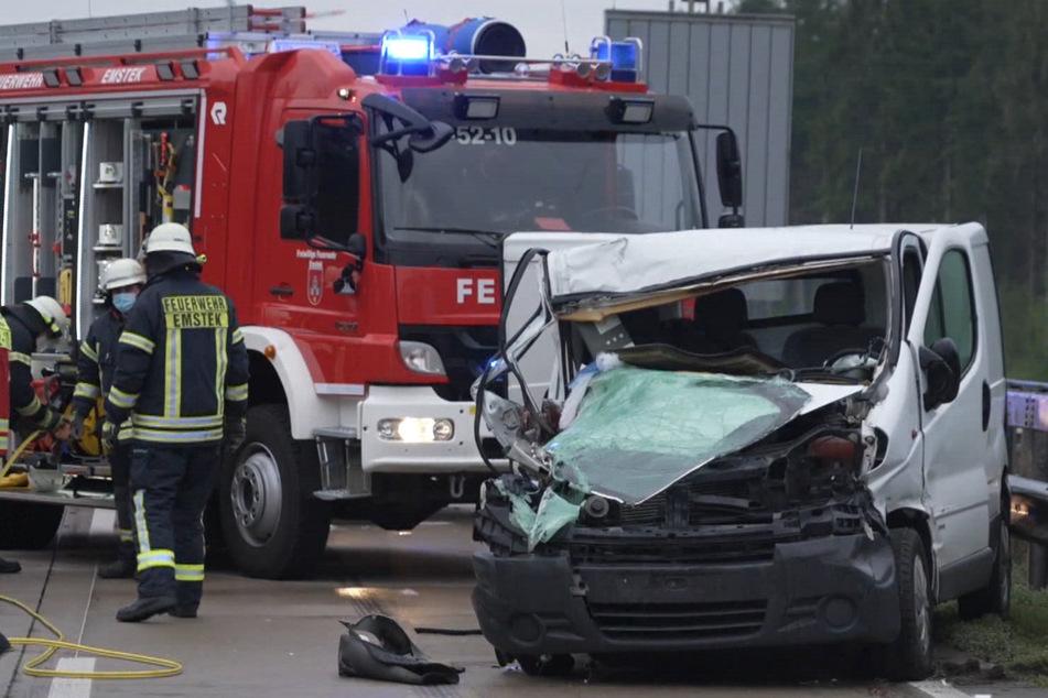 Unfall A1: Sechsjährige bei Crash auf A1 in Transporter eingeklemmt: Lebensgefahr!