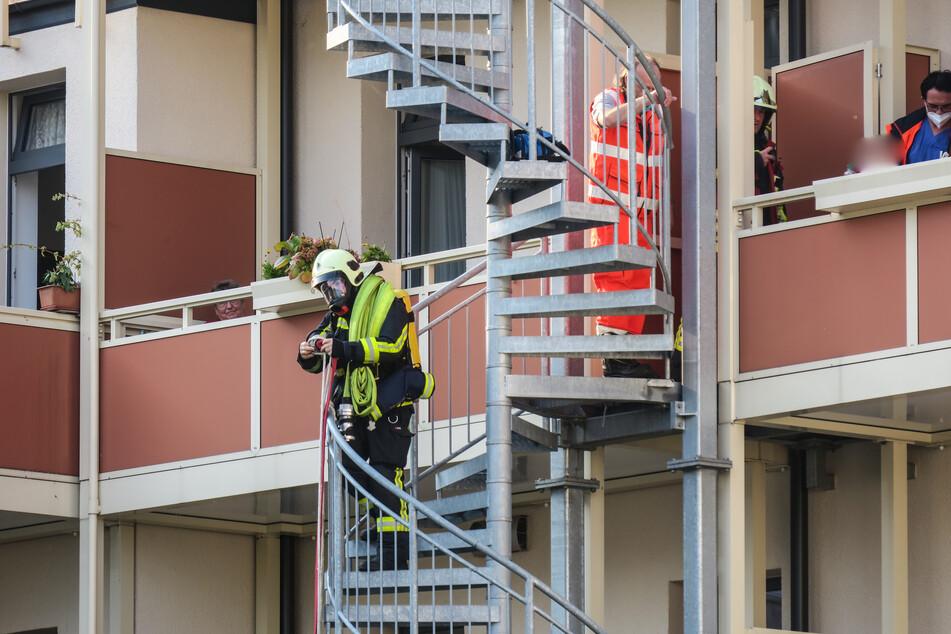 Die Feuerwehr konnte den Bewohner über die Feuertreppe retten.