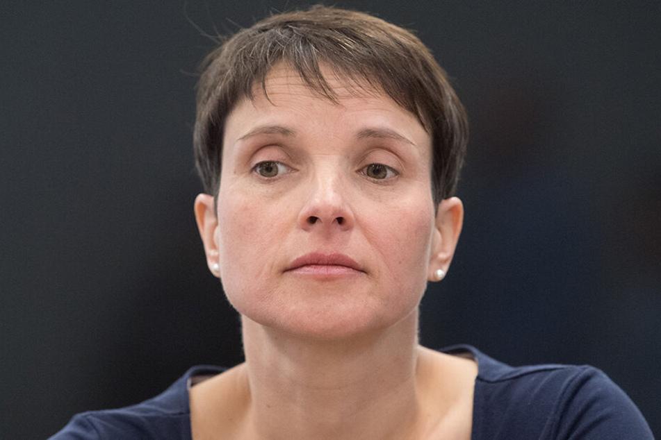 Das Gericht verurteilte Frauke Petry (43) wegen fahrlässigen Falscheids zu einer Geldstrafe von 6.000 Euro (60 Tagessätze zu jeweils 100 Euro).