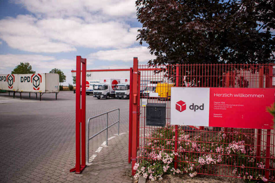 Großalarm im DPD-Paketverteilzentrum in Krostitz.