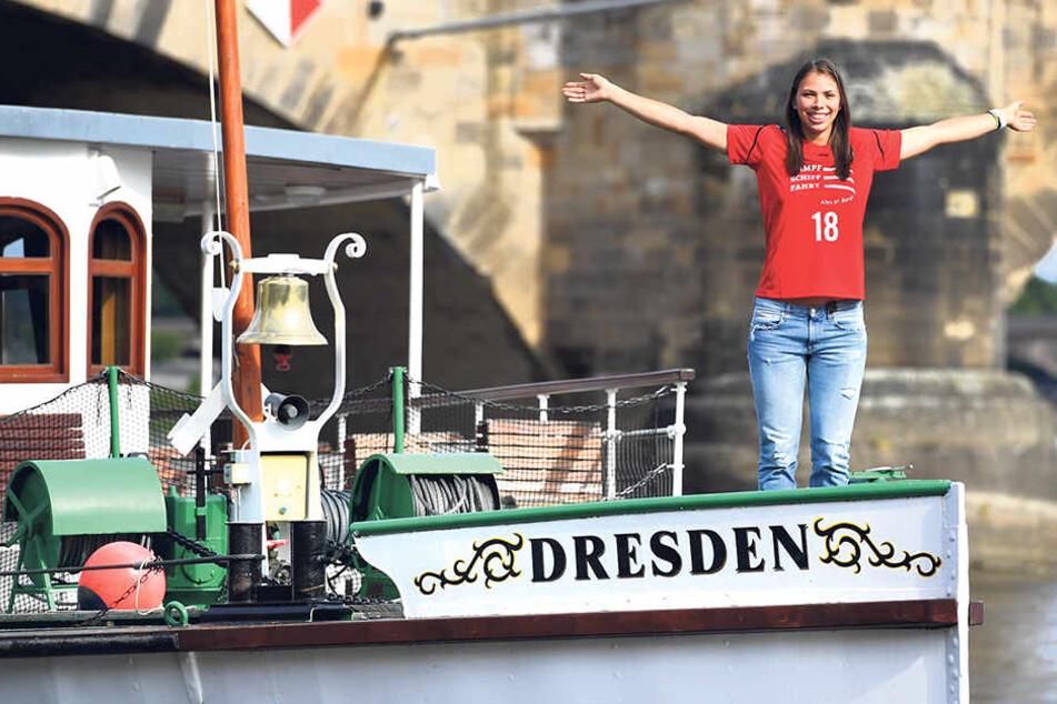 "Kate Winslet aus ""Titanic"" lässt grüßen! Sasa Planinsec auf dem Raddampfer ""Dresden""."
