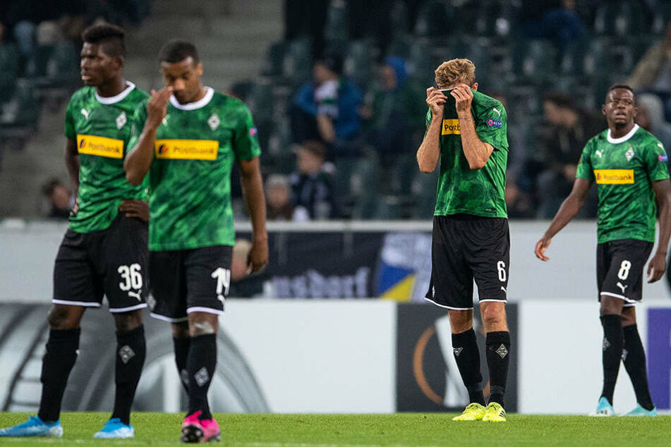 Ein Satz mit X - Borussia Mönchengladbach blamiert sich vor heimischer Kulisse bis auf die Knochen und geht gegen Fußball-Zwerg Wolfsberg mit 0:4 baden.