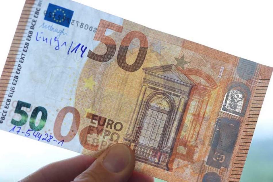 Besonders viele der alten 50-Euro-Scheine sind als Fälschungen im Umlauf.