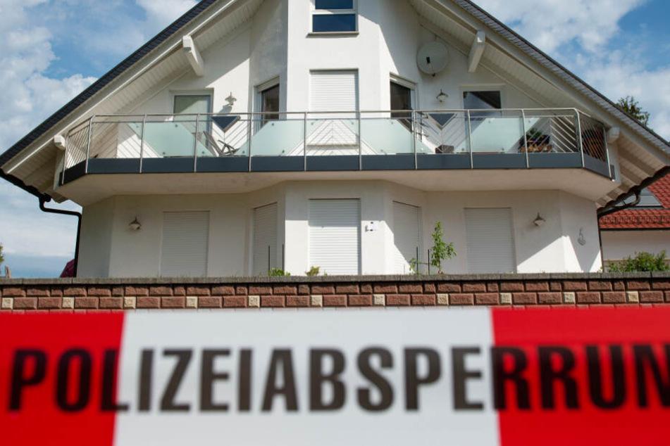 Das Foto zeigt den Tatort, das Haus von Walter Lübcke in Wolfhagen-Istha.