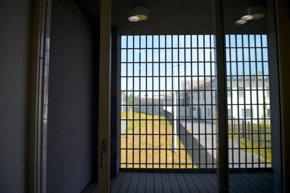 Wegen Personalmangel: Häftlinge bleiben länger eingeschlossen!