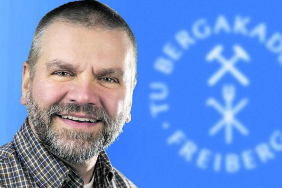Arbeitsgruppenleiter Dr. Roland Haseneder betreut den europaweit einmaligen Testlauf.
