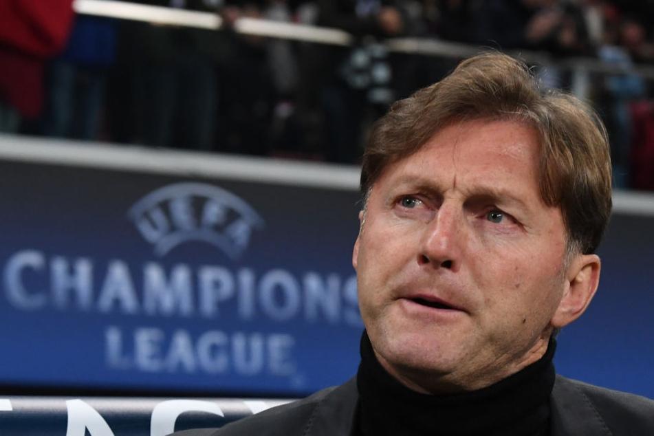 Gespannt wird RB-Trainer Ralph Hasenhüttl die Auslosung zur Zwischenrunde der Europa League am Montag verfolgen.
