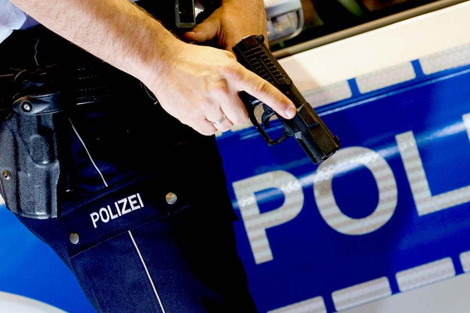 Die Polizisten sahen sich am Samstag gezwungen einen Schuss abzufeuern.