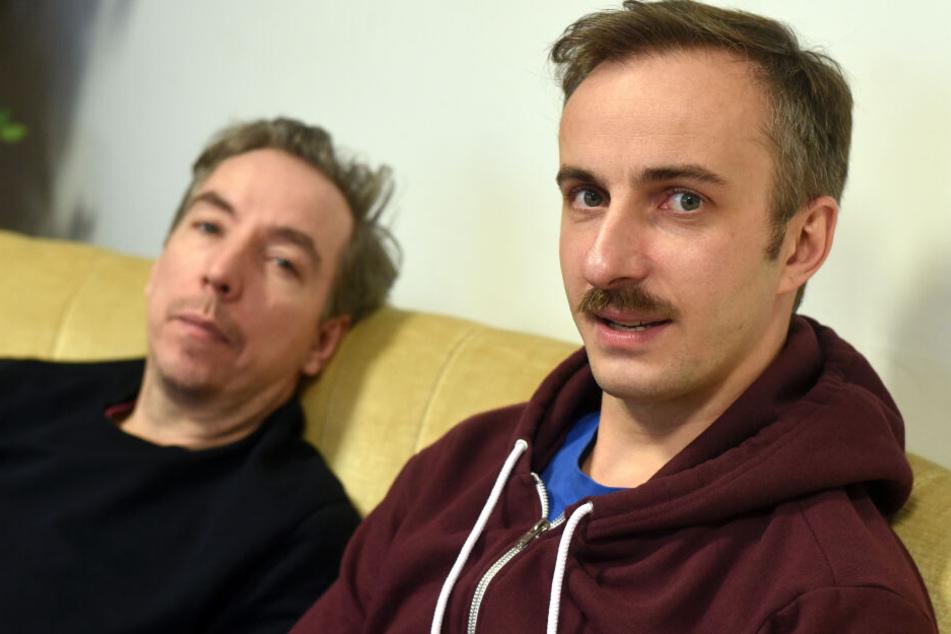 Fest und Flauschig: Olli Schulz und Jan Böhmermann äußern sich wöchentlich in ihrem Podcast zu verschiedensten Themen.