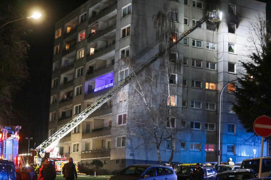 Neun Verletzte bei Hochhausbrand in Wuppertal