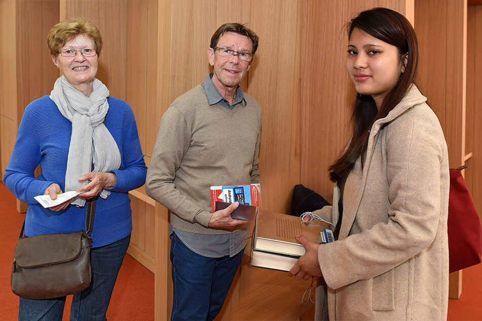 Die Meinungen zum Kulti sind positiv: Gisela und Frank Schubert und Anh Tran.