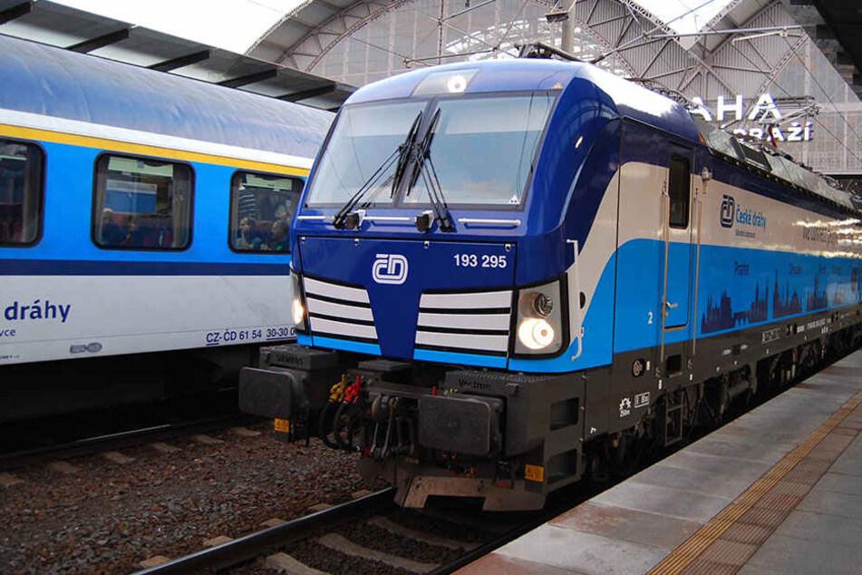 Von Dresden nach Berlin: Jetzt schneller mit der blauen Lok!