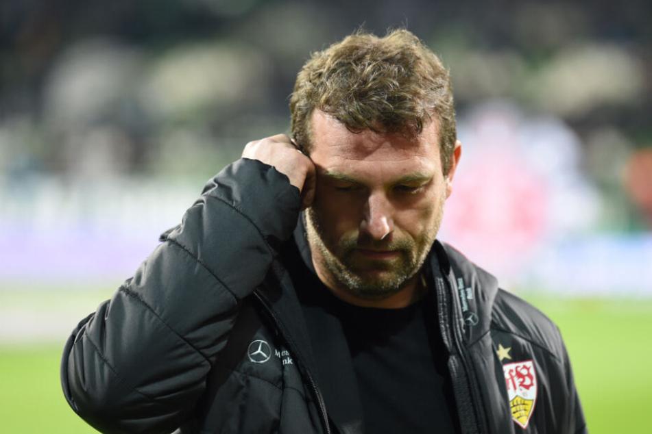VfB Stuttgarts Trainer Markus Weinzierl muss gegen die starke Offensive von Bayer 04 eine gute Defensivordnung finden.