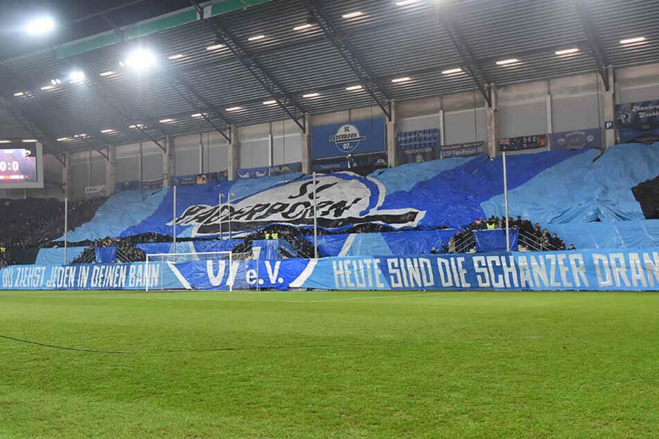 """""""Du ziehst jeden in deinen Bann, heute sind die Schanzer dran"""", verkündeten die Fans vor dem Achtelfinale gegen Ingolstadt."""