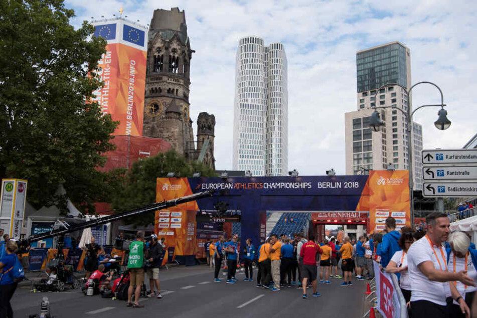 Der Start des 20 Kilometer Rennens der Frauen im Gehen musste wegen eines Feuerwehreinsatzes verschoben werden.