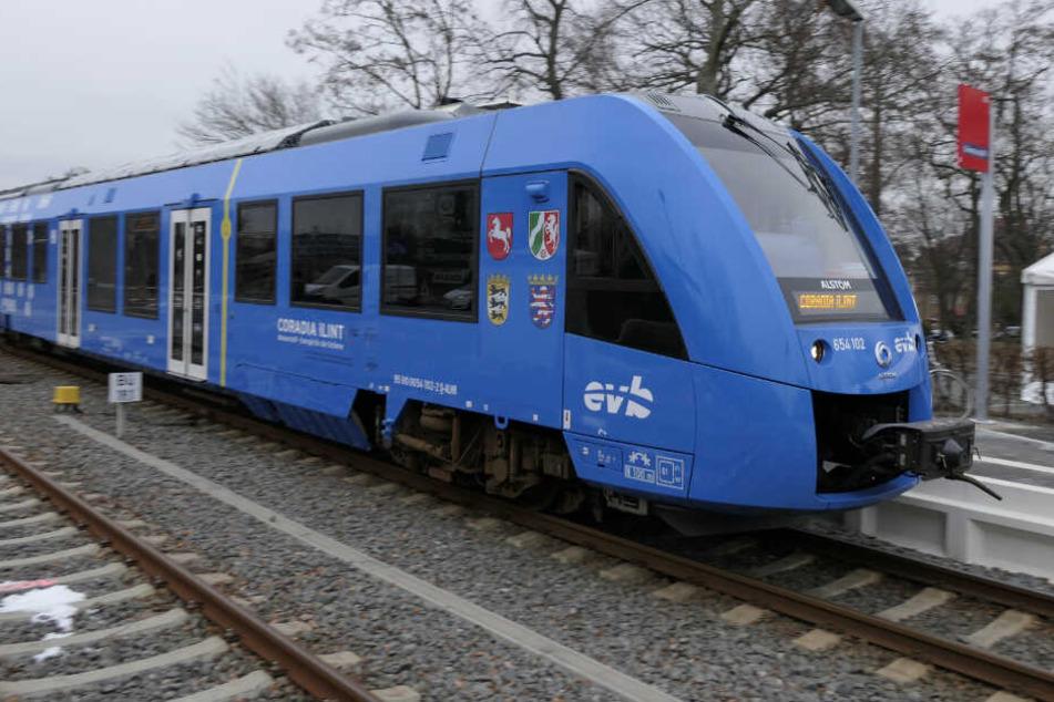 Am Freitag ist der weltweit erste Wasserstoffzug bei einer Testfahrt von Leipzig nach Grimma gefahren.