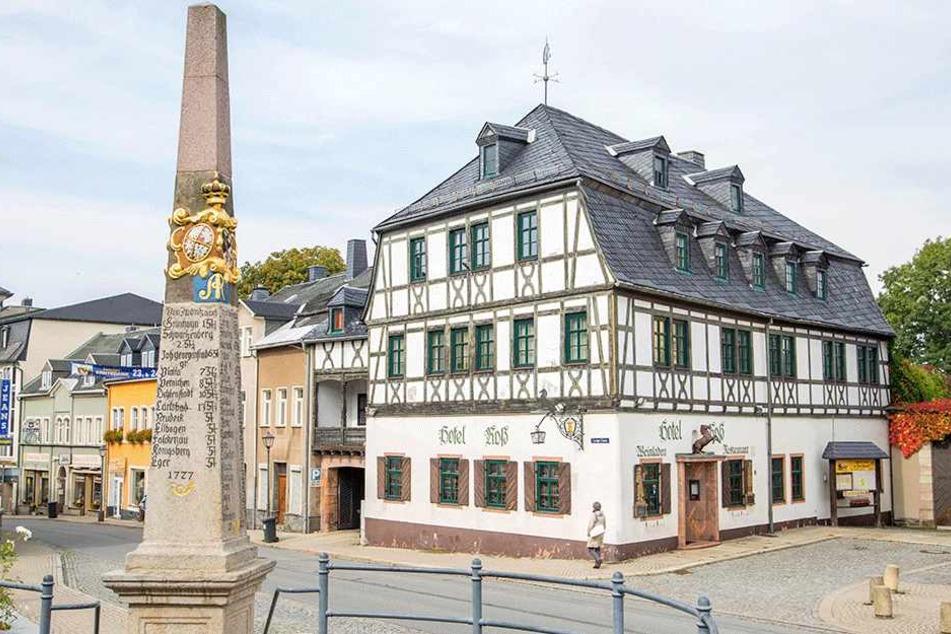 """Das Hotel und Restaurant """"Roß"""" ist nachweislich das älteste Gasthaus in  Sachsen. Weil sich kein neuer Eigentümer findet, schließt das Haus Ende des  Jahres."""