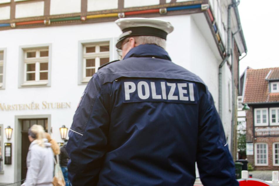 Die Polizei bittet um Zeugenhinweise.