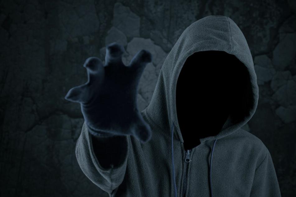 Ein unbekannter, maskierter Mann hat ein Hotel in Altona im Stadtteil überfallen (Symbolbild).
