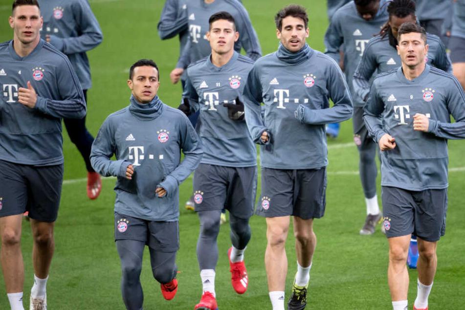 Der FC Bayern München muss im Hinspiel des Achtelfinales der CL in Liverpool ran.