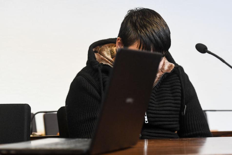 Der Tatverdächtige habe eine große und anhaltende Gewaltbereitschaft und Interesse an aggressiven Sexualpraktiken.