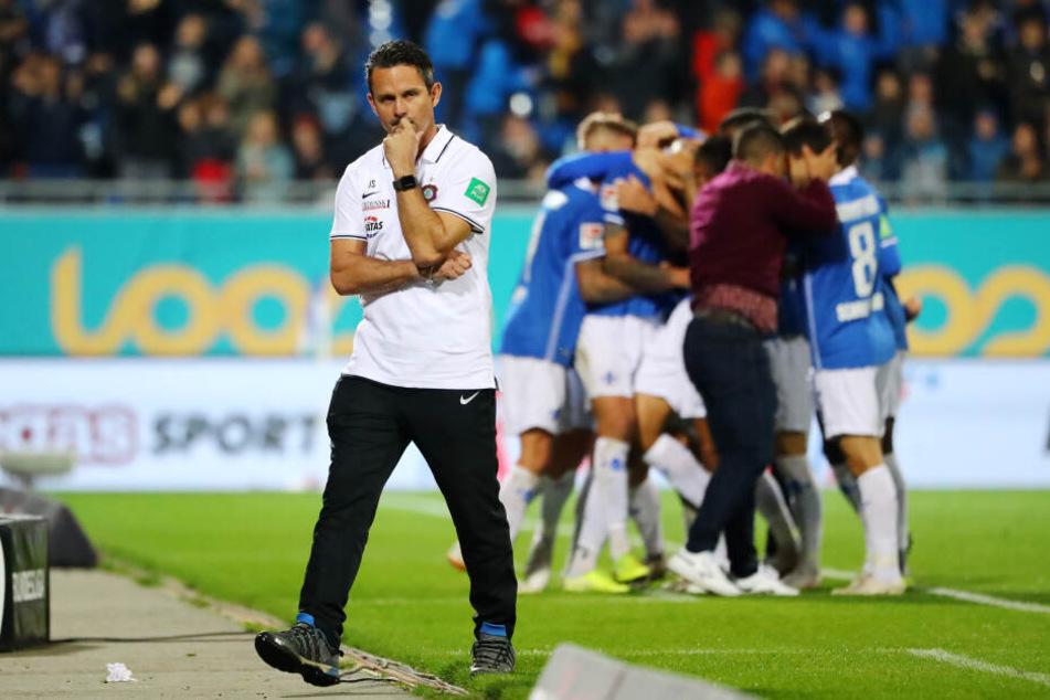 FCE-Coach Dirk Schuster war trotz der unglücklichen Niederlage nicht unzufrieden mit der Leistung seiner Mannschaft.