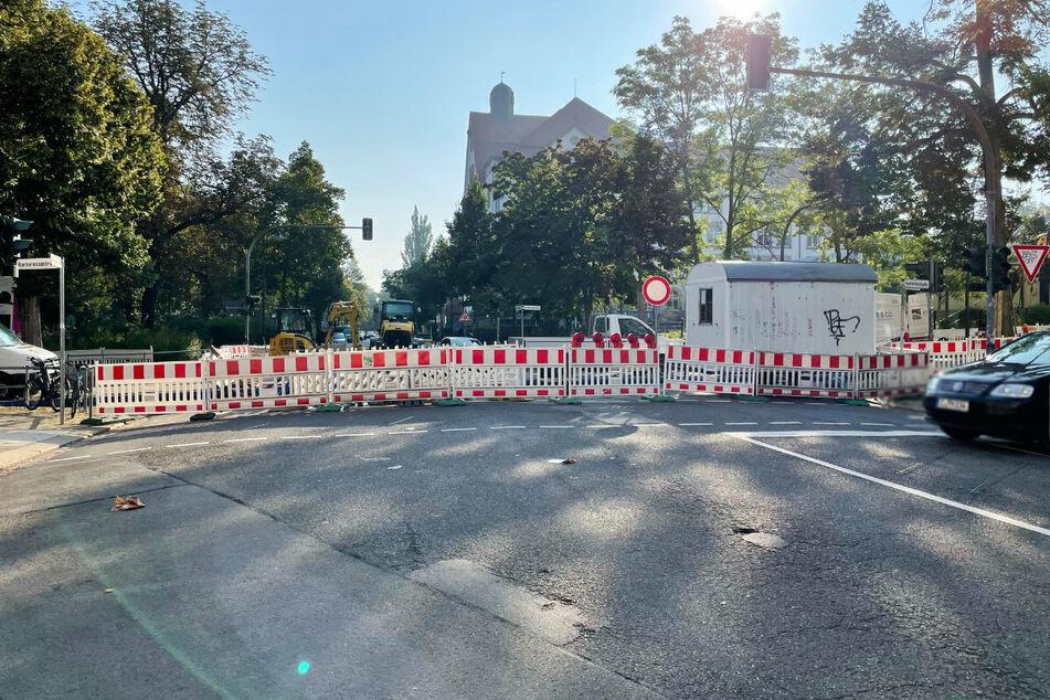 Auch in der Henriettenstraße erblickt man eine Vollsperrung. Hier wird noch bis Ende November gebaut.