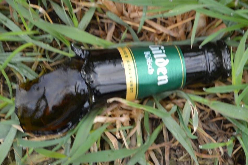 Mit dieser Bierflasche ist ein 18-jähriger Mann niedergestreckt worden.