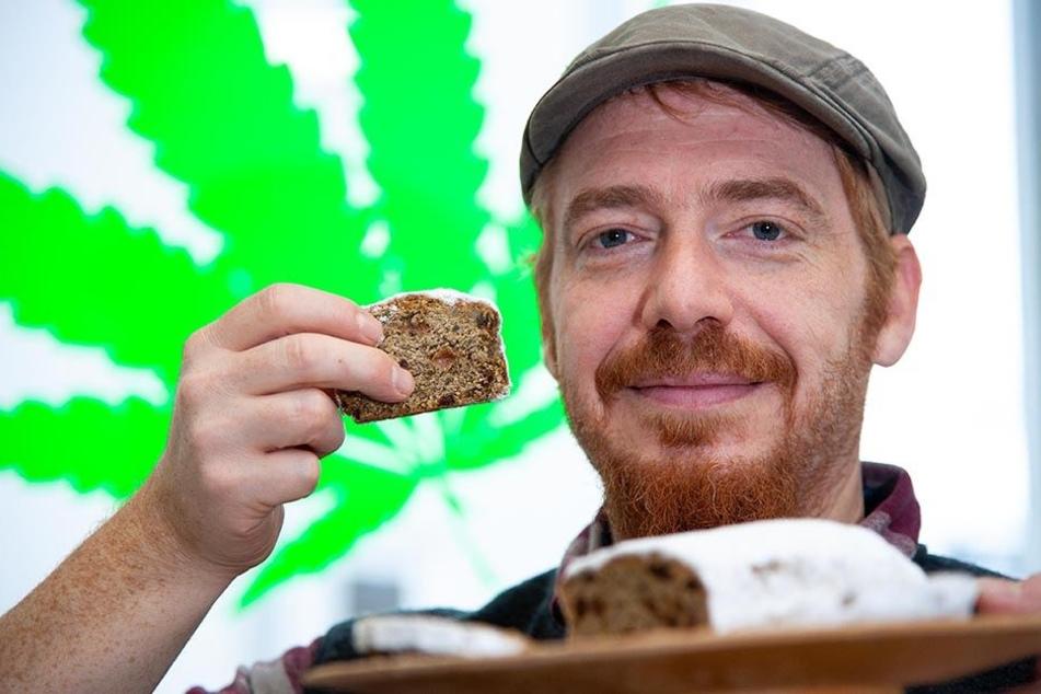 Keine weiten Wege: Hanf-Laden-Besitzer Norman Schirmer (42) bezieht den Stollen exklusiv von der Stollberger Bäckerei Weißbach. Die ist nur einen Steinwurf vom Laden entfernt.