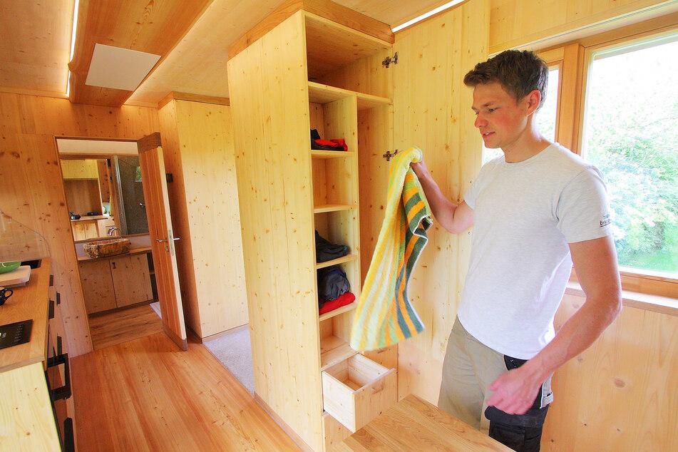 Auch Stauraum für Klamotten, Campingsausrüstung und andere Dinge ist reichlich vorhanden.