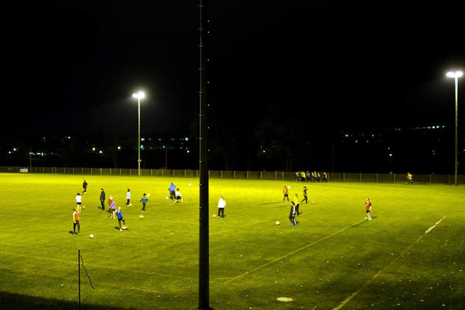 Auf Sachsens Fußballplätzen herrscht viel Betrieb. In den vergangenen fünf Jahren nahmen die Vereine knapp 20.00 neue Mitglieder auf.