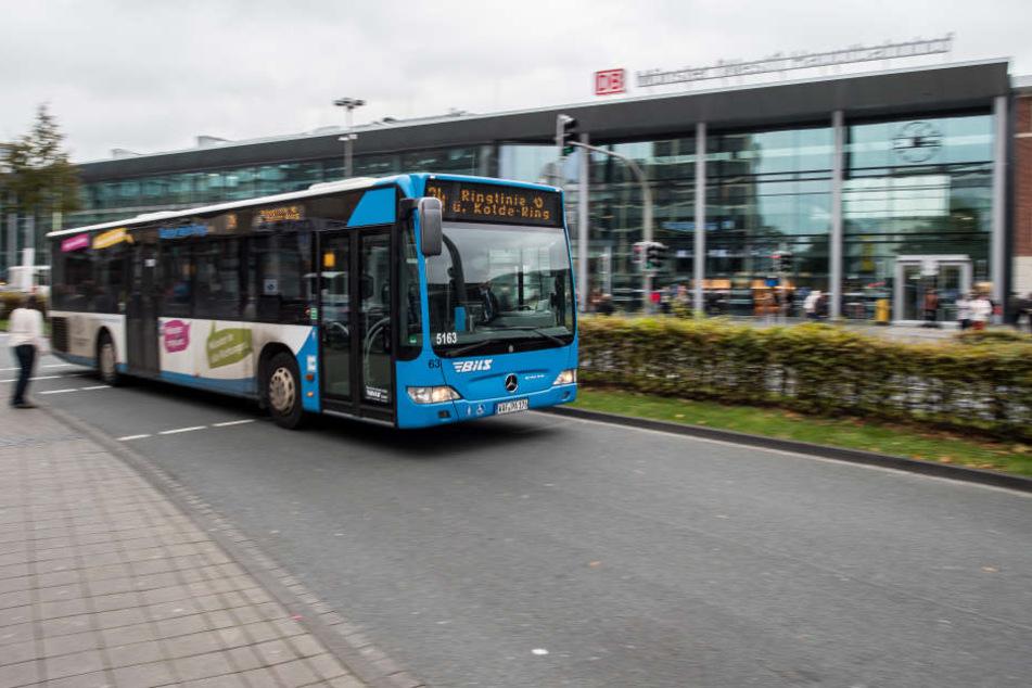 Der Busfahrer fuhr mit 2,5 Promille durch Nürnberg. (Symbolbild)