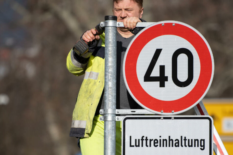 Stuttgart: Stuttgart bremst die Autofahrer aus: Tempo 40 an über 400 Standorten kommt!