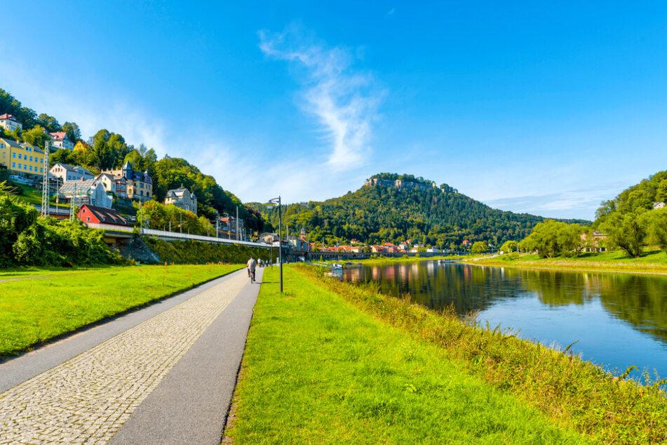 Radeln mit Traumblick: Ein Radweg in der Sächsischen Schweiz. Bis 2025 sollen mehr als 5100 Kilometer über Schilder verfügen.